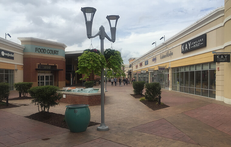 Outlet mall shot